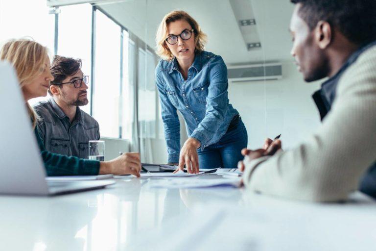 Leadership et managérat : des rôles-clés dans l'entreprise