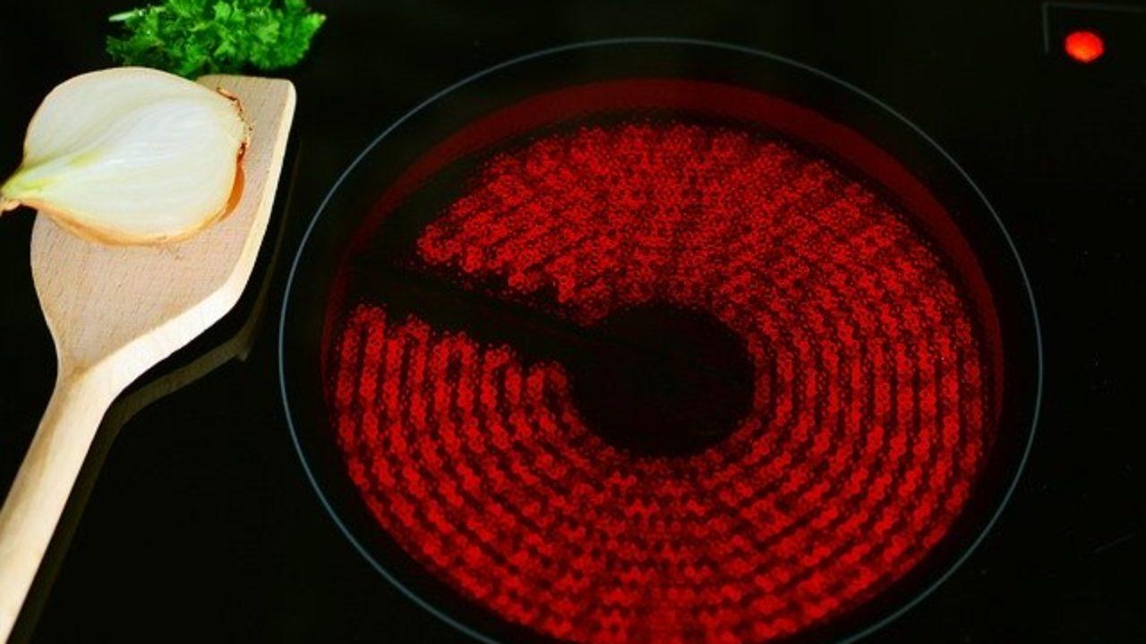Comment Differencier Induction Et Vitroceramique les cuisinières vitrocéramiques - nextnews.fr