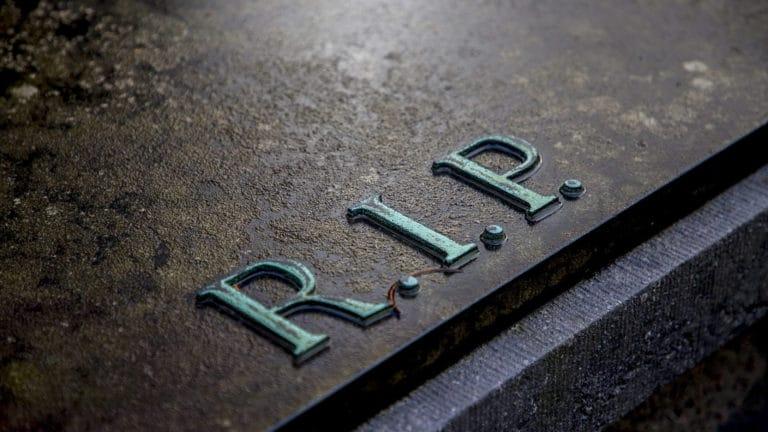 Plaque funéraire : faites le choix de la personnalisation